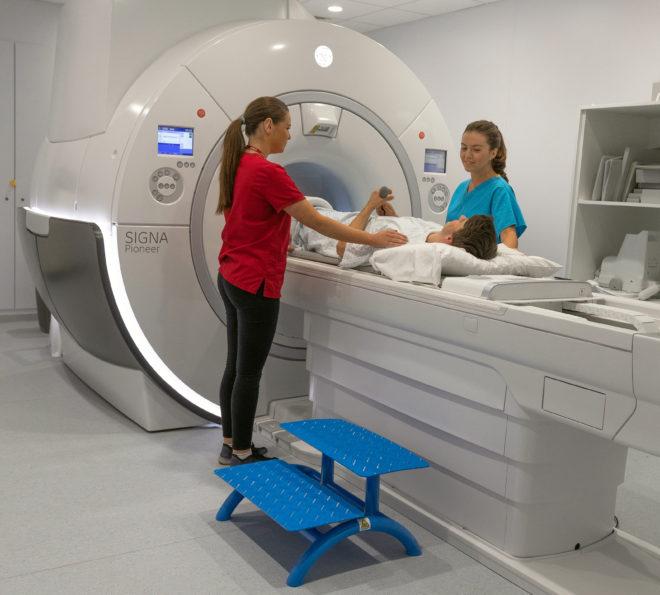 3.0 Tesla MRI Scanner SSC